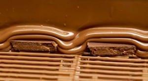 Enrobing chocolate