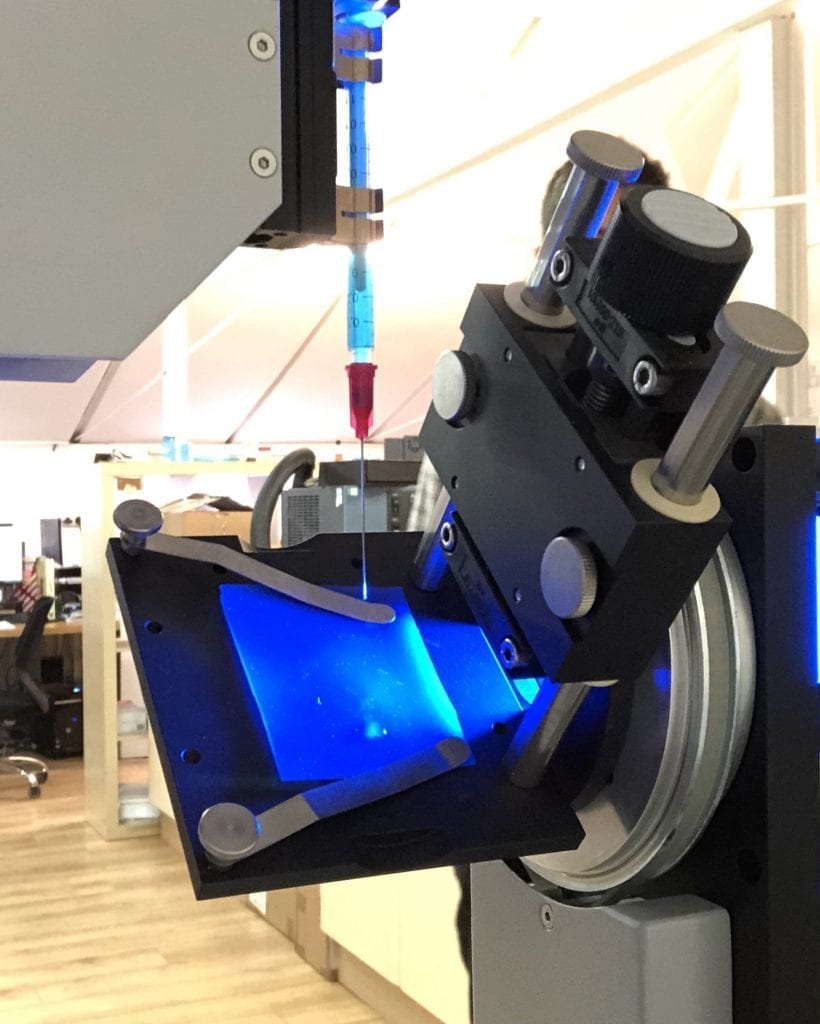 Measuring dynamic contact angle with tilting plate drop shape analysis